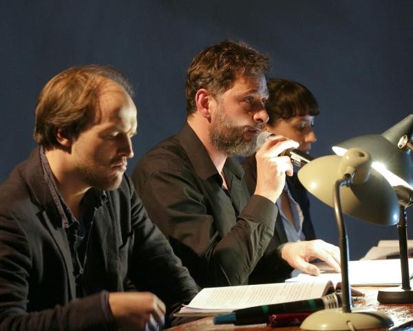 Szenenfoto mit Moritz Brendel, Stéphane Bittoun und Mogli Cruse Foto: Alexander Englert
