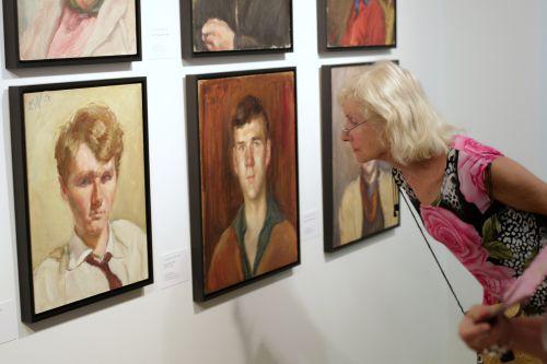 Diese Porträts werden zum ersten Mal an ihrem Entstehungsort gezeigt. Foto: Alexander Paul Englert