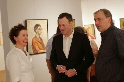 Dr. Eva Scheid mit Dr. Philipp Gutbrod, Leiter des Instituts Mathildenhöhe Darmstadt, und Erik Riedel